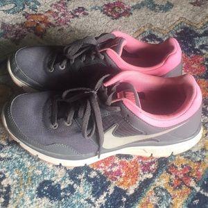 Nike lunarfly women's 9.5